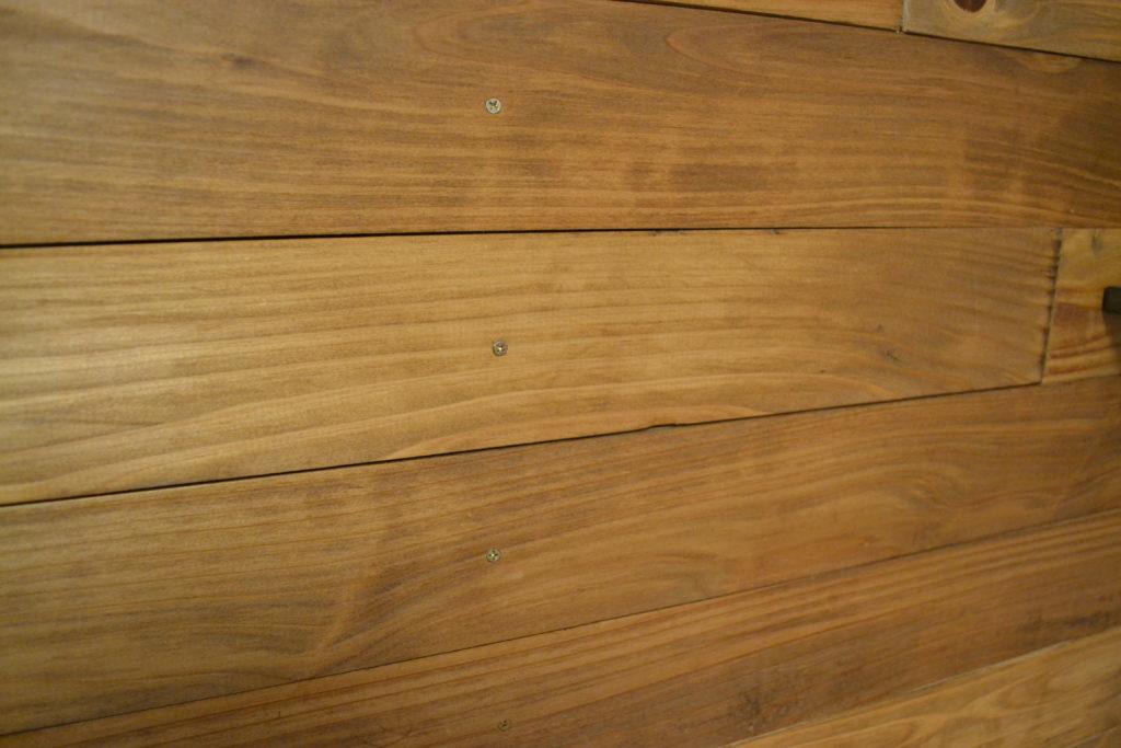 杉材 木の壁