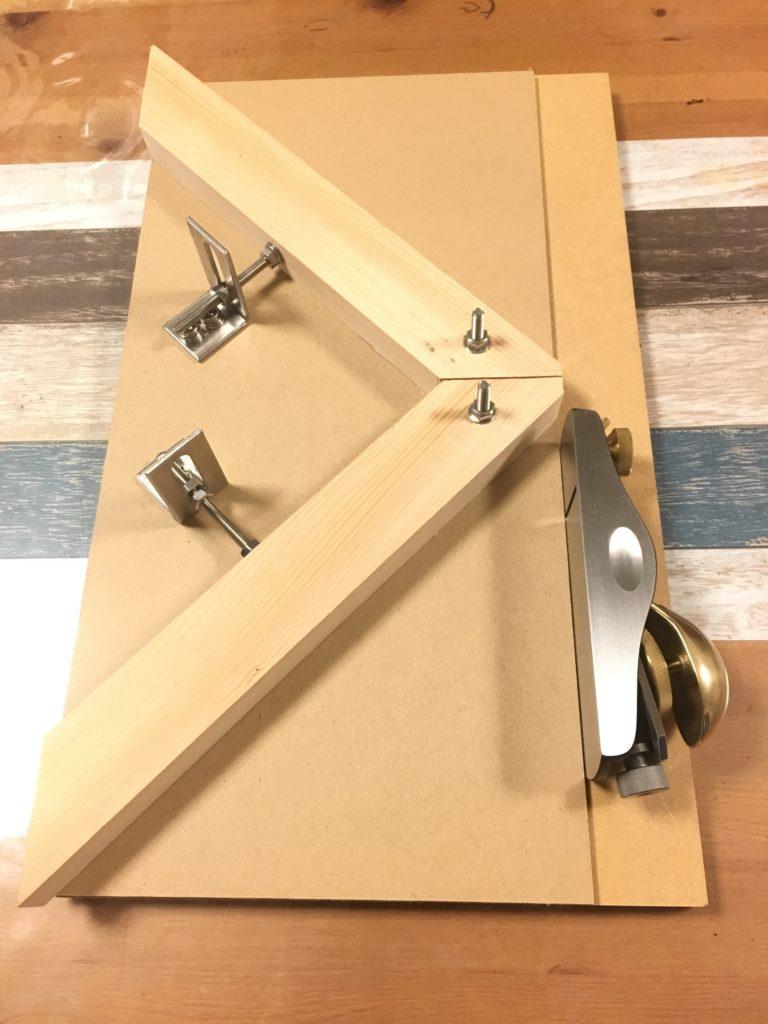 角度調整式木口削り台