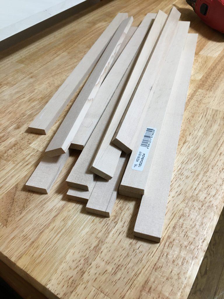 木のレール(というかただの木材)