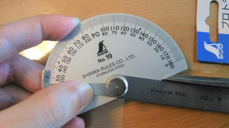 鑿の刃の角度は30度が最適