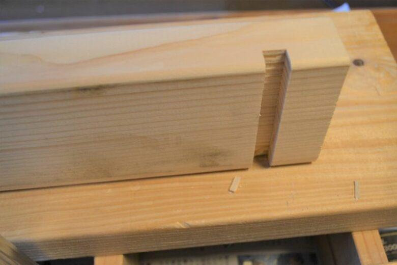 木材に溝を掘る方法