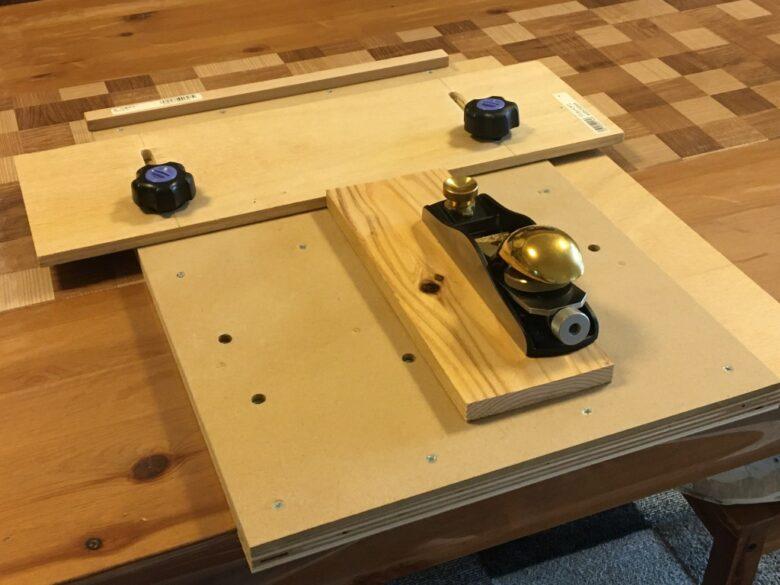 奥行調整可能な削り台