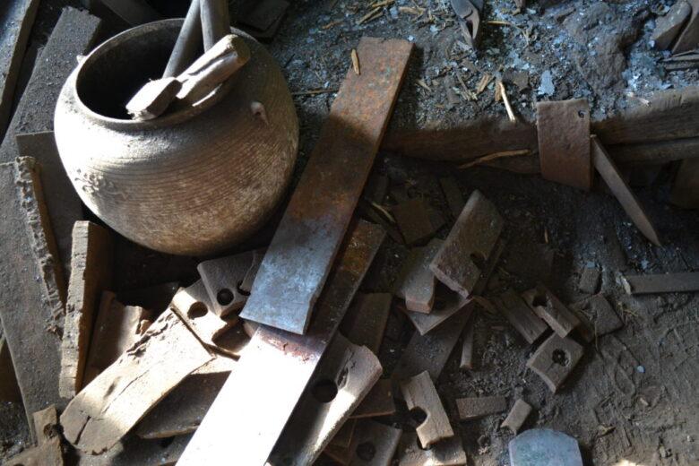 地金に使用する鉄(もとは橋げた)