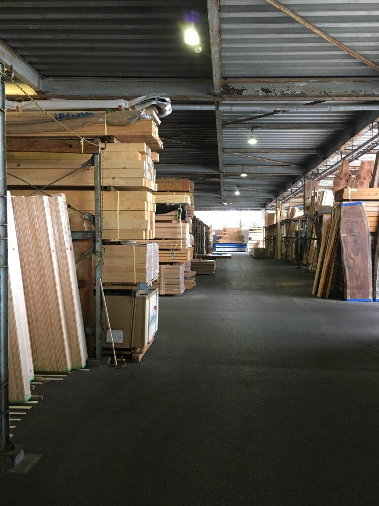東京中央木材市場